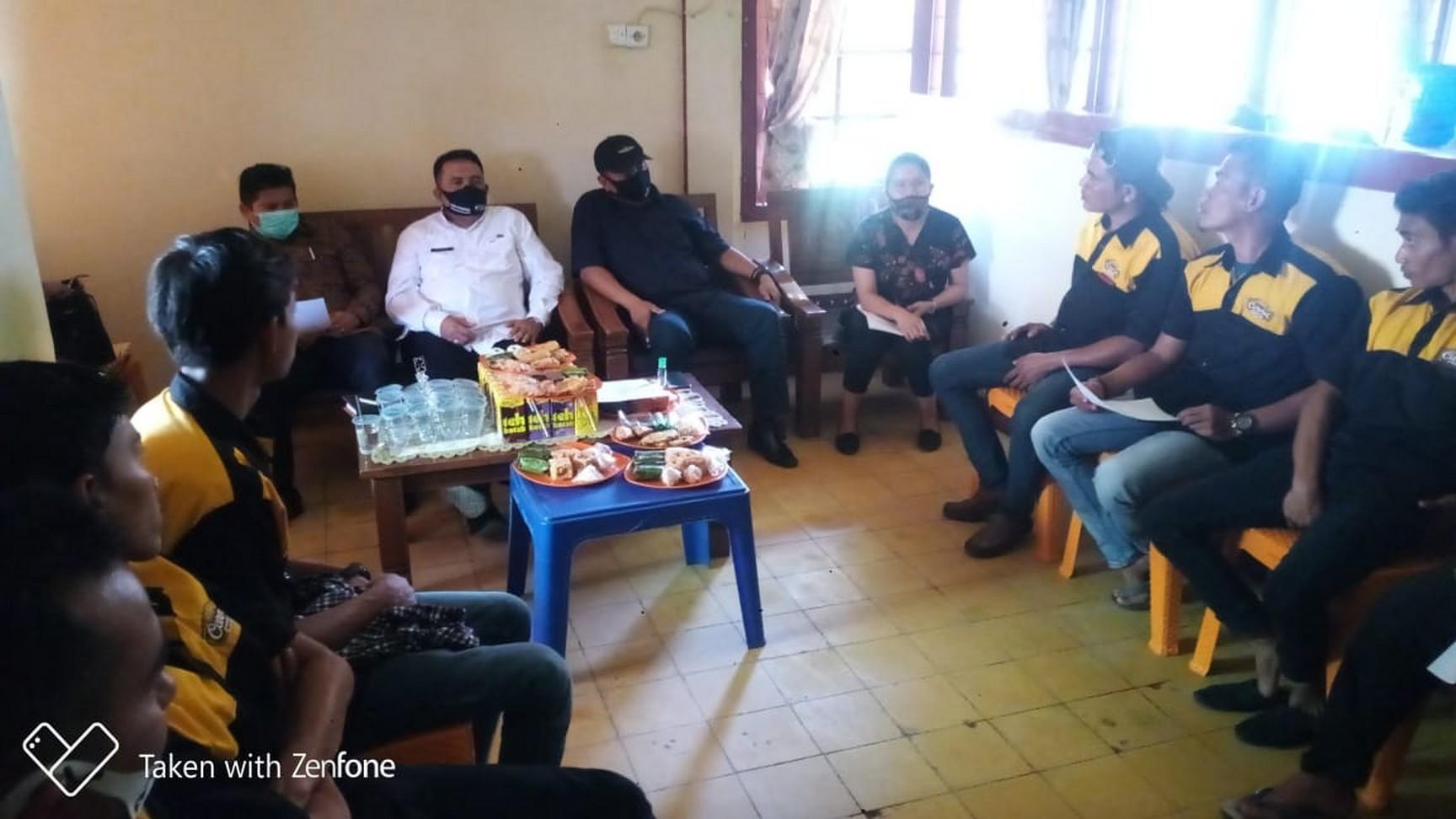 Kepala Dinas DPMPTSPNAKER Menghadiri Pertemuan Mediasi PT. Nagari Minang Jelita